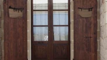 017_iltrullomasseria_finestre_portelloni_persiane