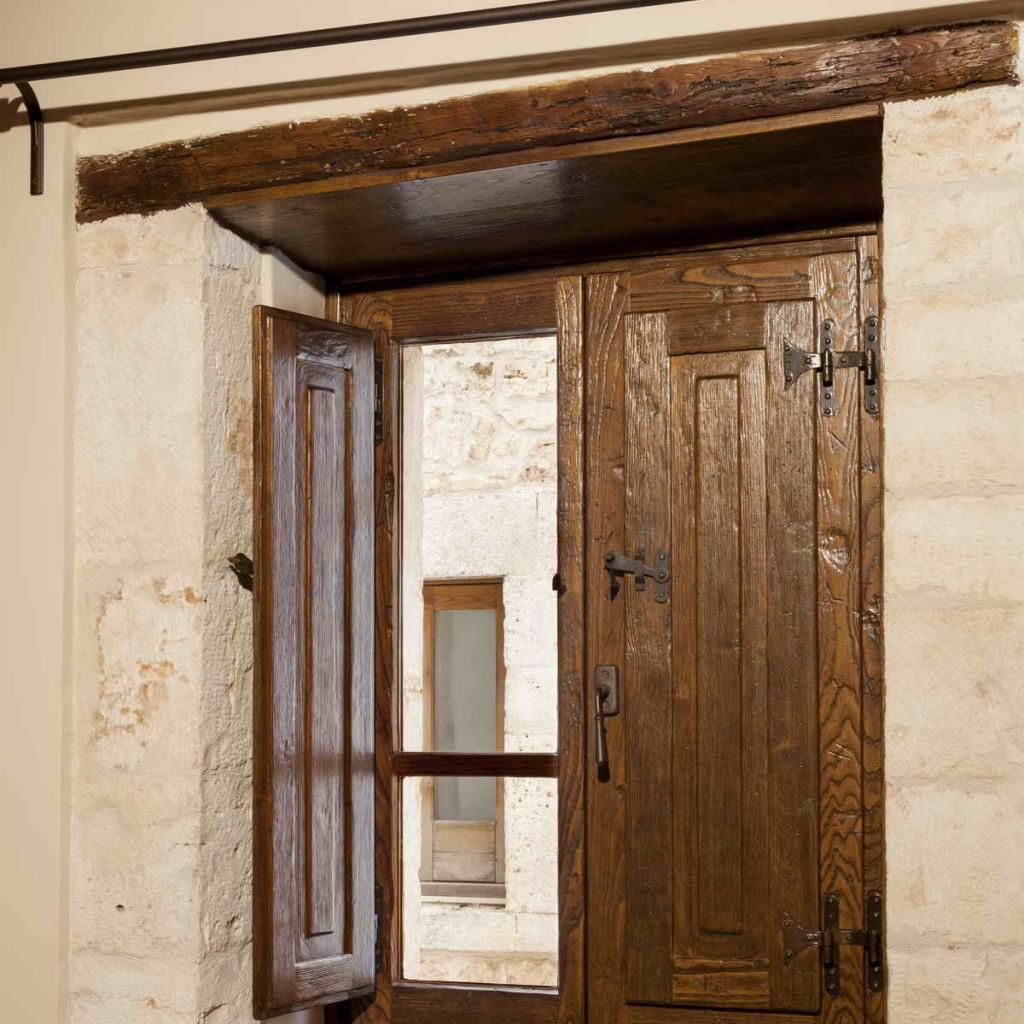 Finestre in legno antiche um97 regardsdefemmes for Finestre e persiane