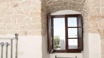 020_iltrullomasseria_finestre_portelloni_persiane