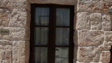 032_iltrullomasseria_finestre_portelloni_persiane